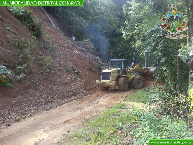 Trabajos de limpieza por derrumbes en la carretera Zonakisiato - Kapashiari - Kapirushimbiari