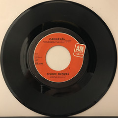 SERGIO MENDES:NEVER GONNA LET YOU GO(RECORD SIDE-B)