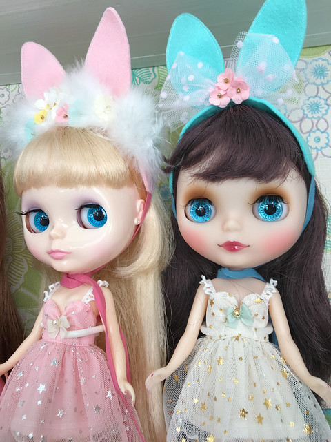 Melody and Aubergine wearing DollHouse!