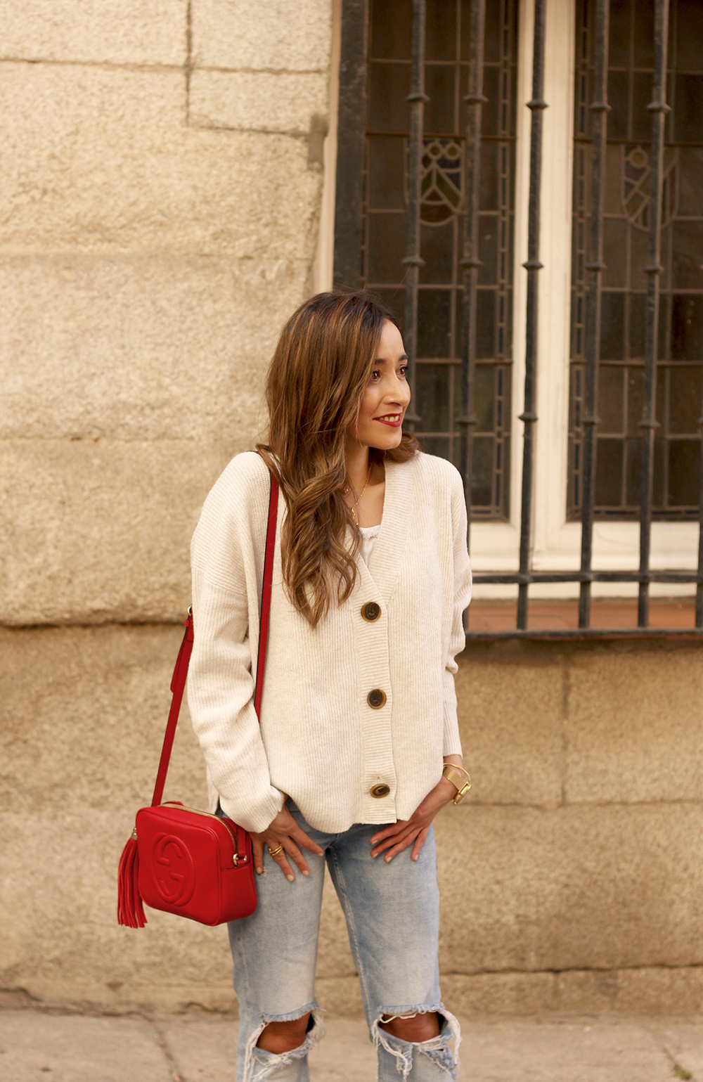 beige cardigan gucci bag red heels ripped jeans street style outfit 201914
