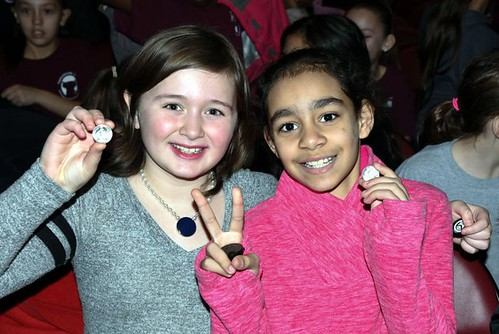 Fourth-Graders-at-Lowell-quarter-ceremony-receive-free-coin