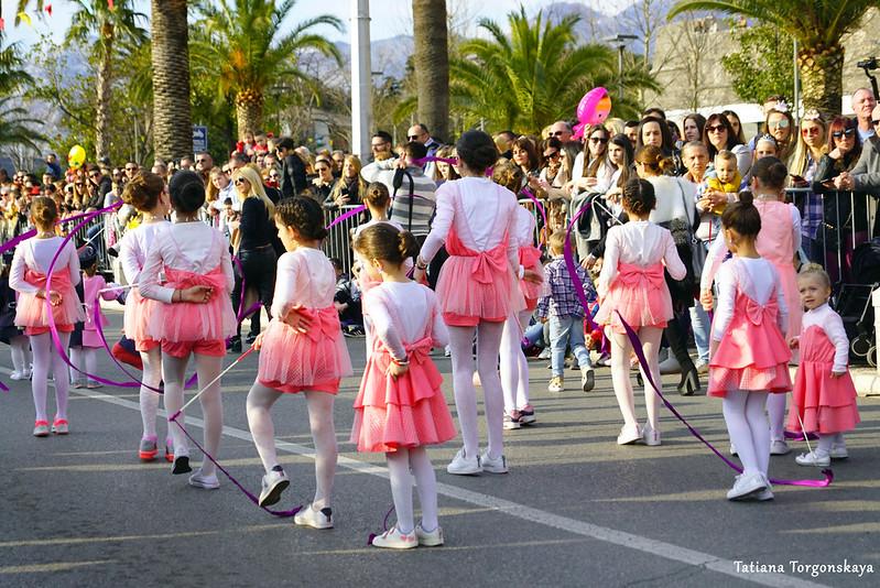 Танцевальный клуб на Зимнем карнавале