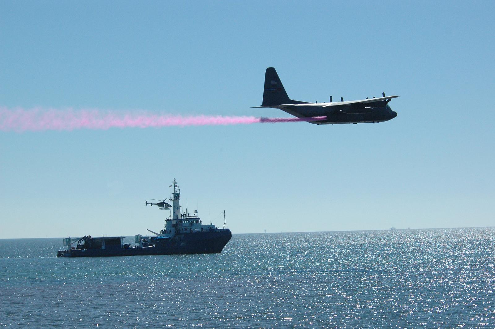 photo of oil dispersant exercise