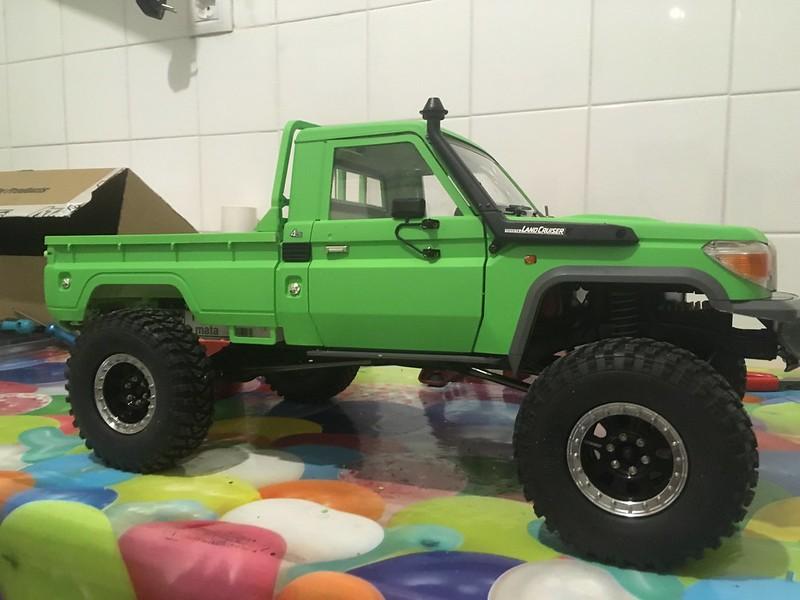 Toyota LC70 SCX10 II 31882101247_f40f7f3ee1_c