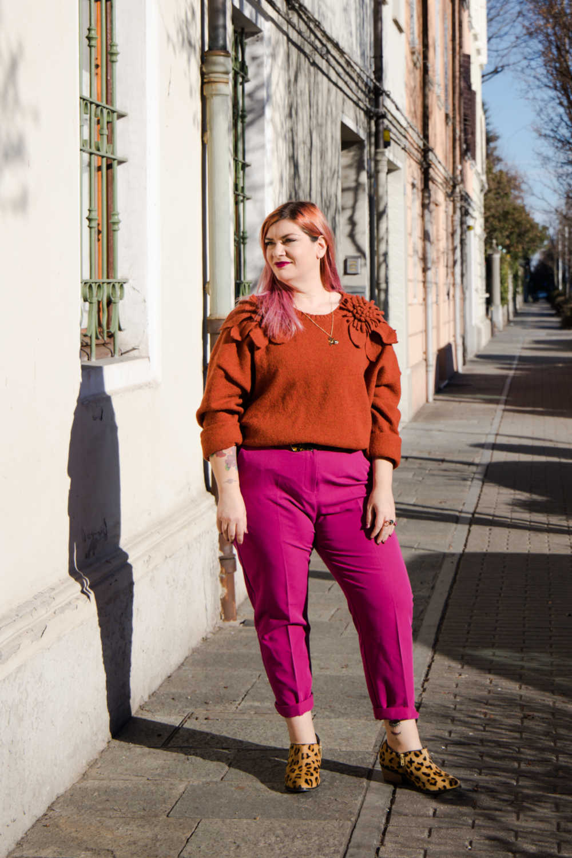 Outfit curvy plus size colori accesi (3)