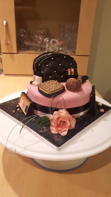 Cake by Vickies