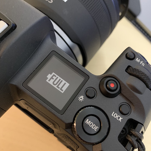 EOS R with USB-C Charge_03
