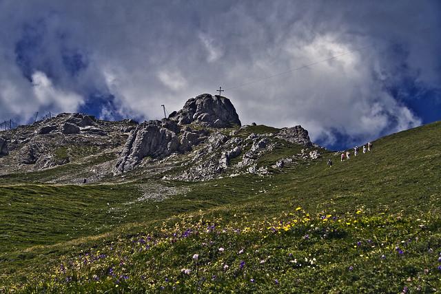 Mountain walk ... (0369)