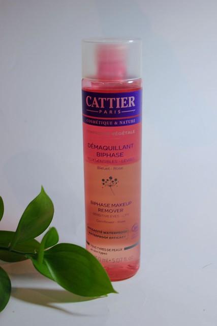 Cattier silmämeikinpoisto luonnonkosmetiikka