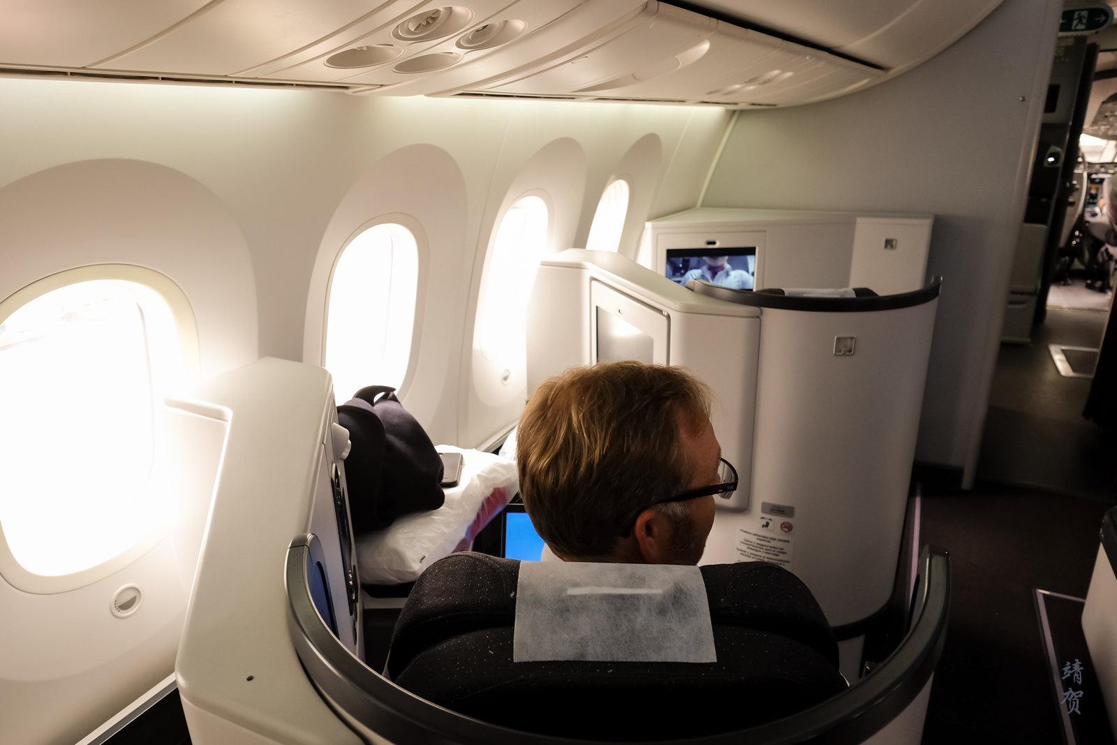Window seats on the 787