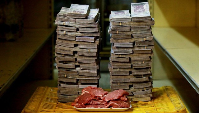 3224 Venezuela's currency is so worthless that people don't count it but weight it 03