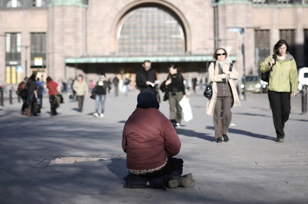 180425-finland-ending-income-program-feature