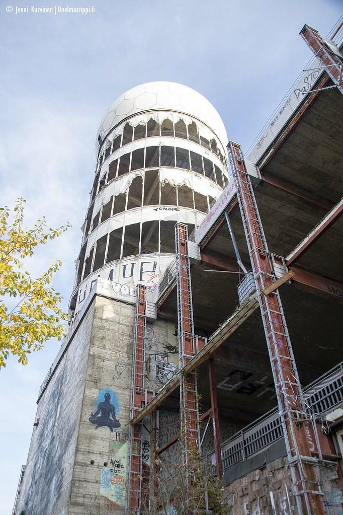 Yksi Teufelsbergin entisen vakoiluaseman torneista