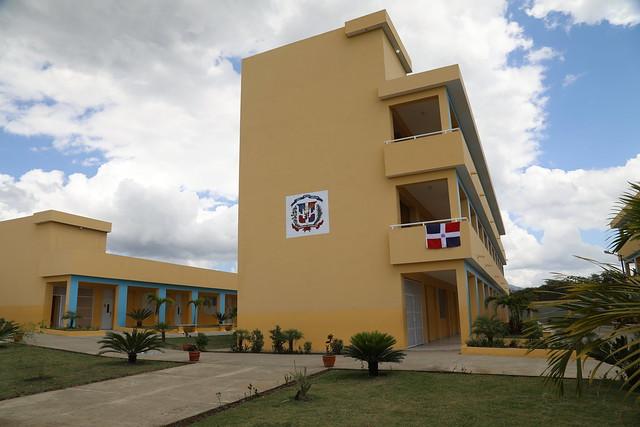 Provincia Duarte: Danilo Medina entrega cinco escuelas a más de 2,400 alumnos, Centro Diagnóstico y Atención Primaria y carretera SFM-Nagua