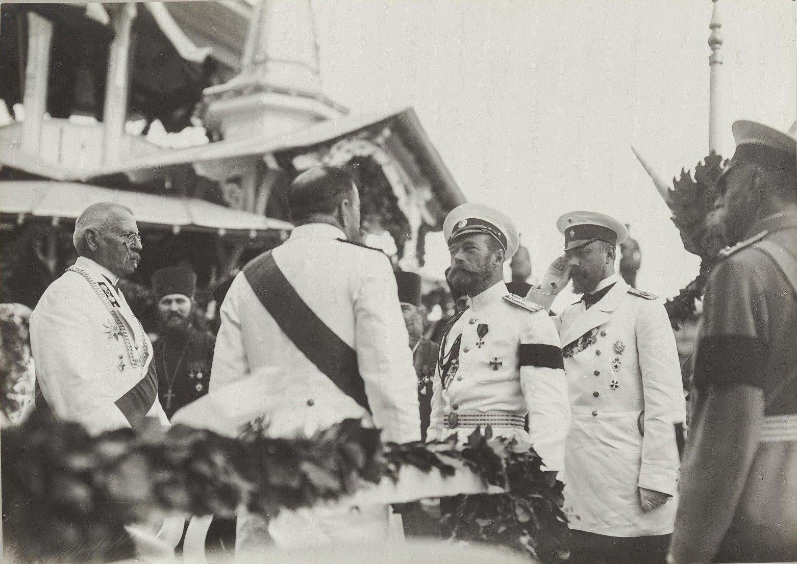 08. Император Николай II и министр двора Фредерикс