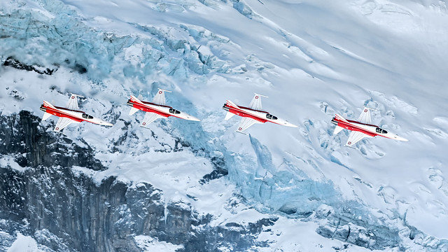 Patrouille Suisse crossing the, Canon EOS 5D MARK IV, Canon EF 500mm f/4L IS
