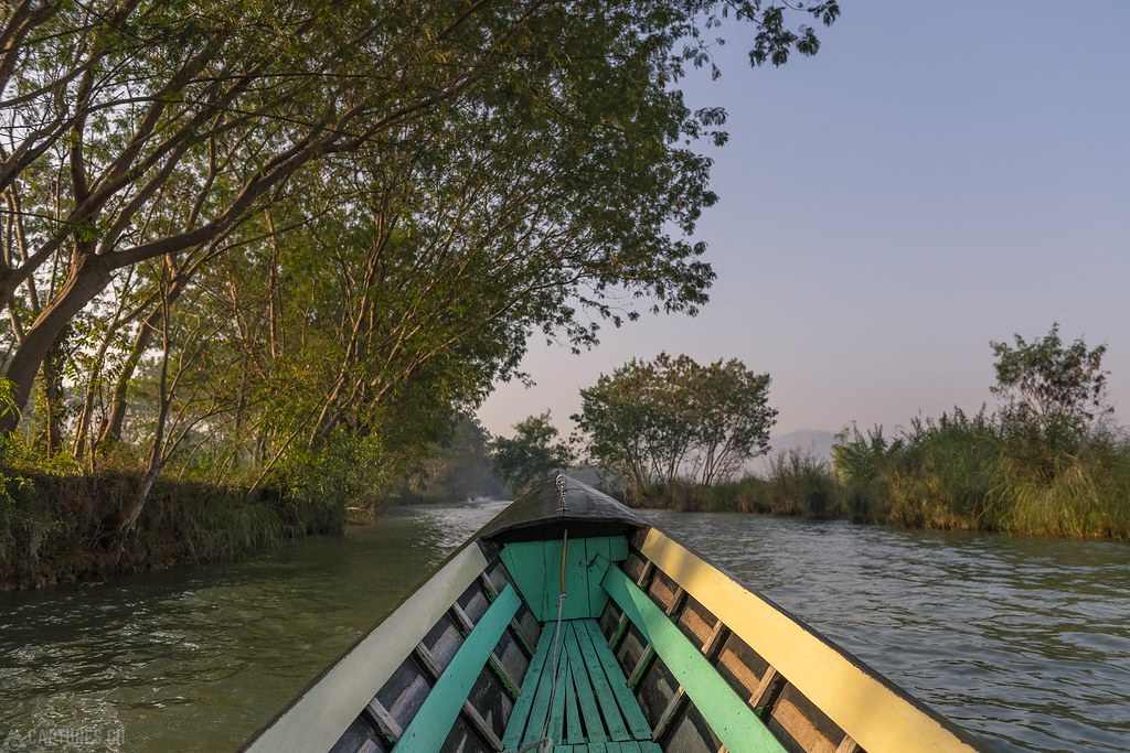 In the canal to Indein - Inle Lake
