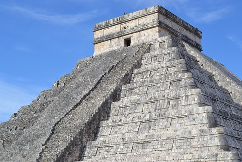 Pyramid of Kukulkán (El Castillo)