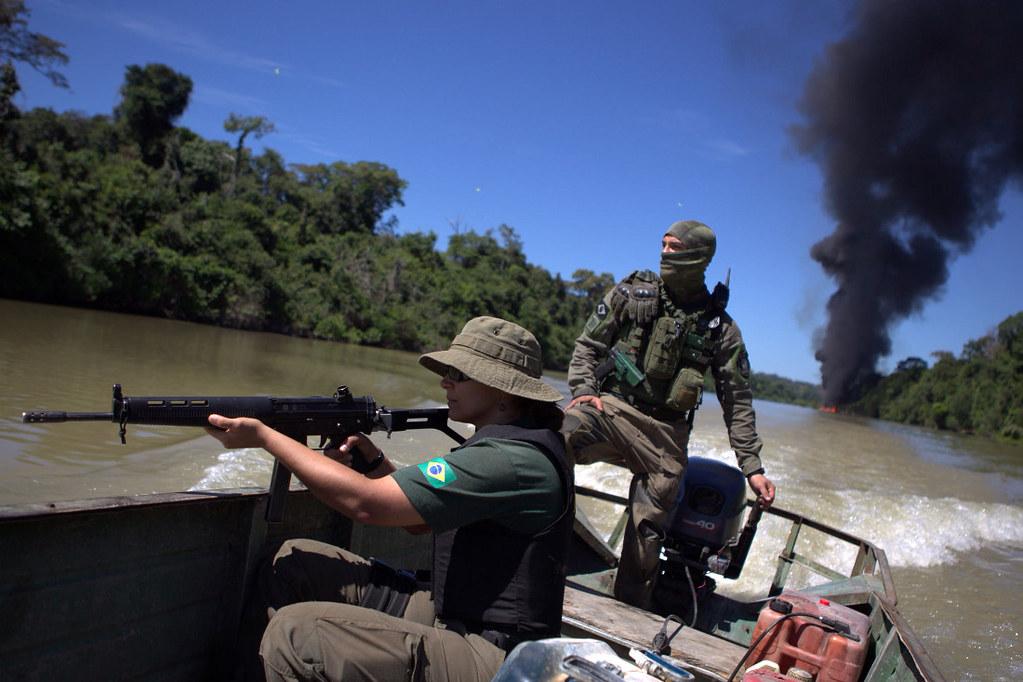 7 rapidinhas. Jornalista na posse no AM, Elegia para Ray Brito, adeus à Semsa..., Garimpos ilegais na Amazônia