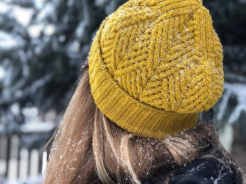 Treefolds cabled hat pattern by Brooklyn Tweed knit by jj.knits of IG