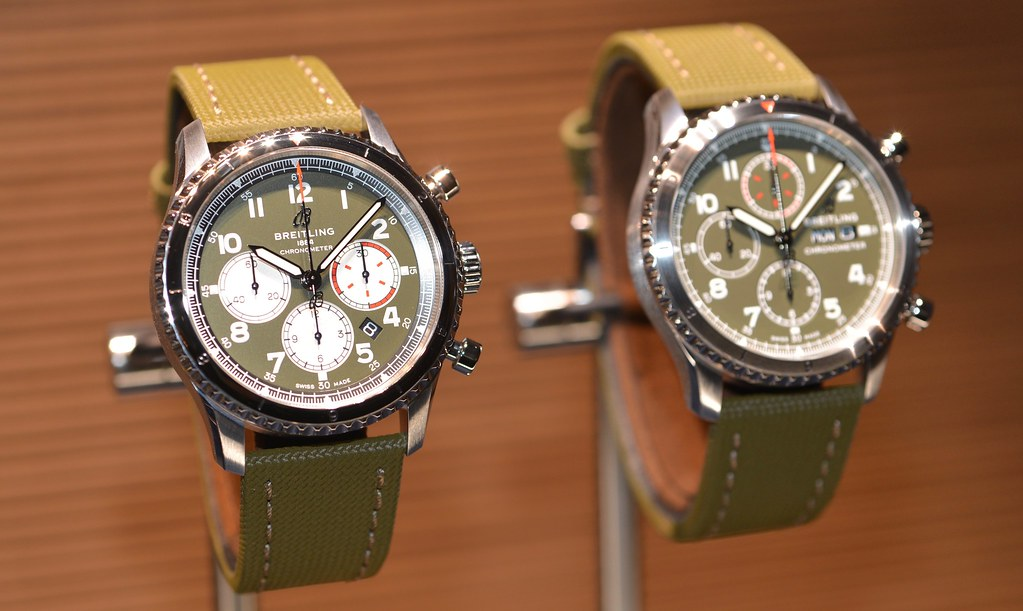 Breitling Aviator 8, Breitling Aviator 8 Curtiss Warhawk