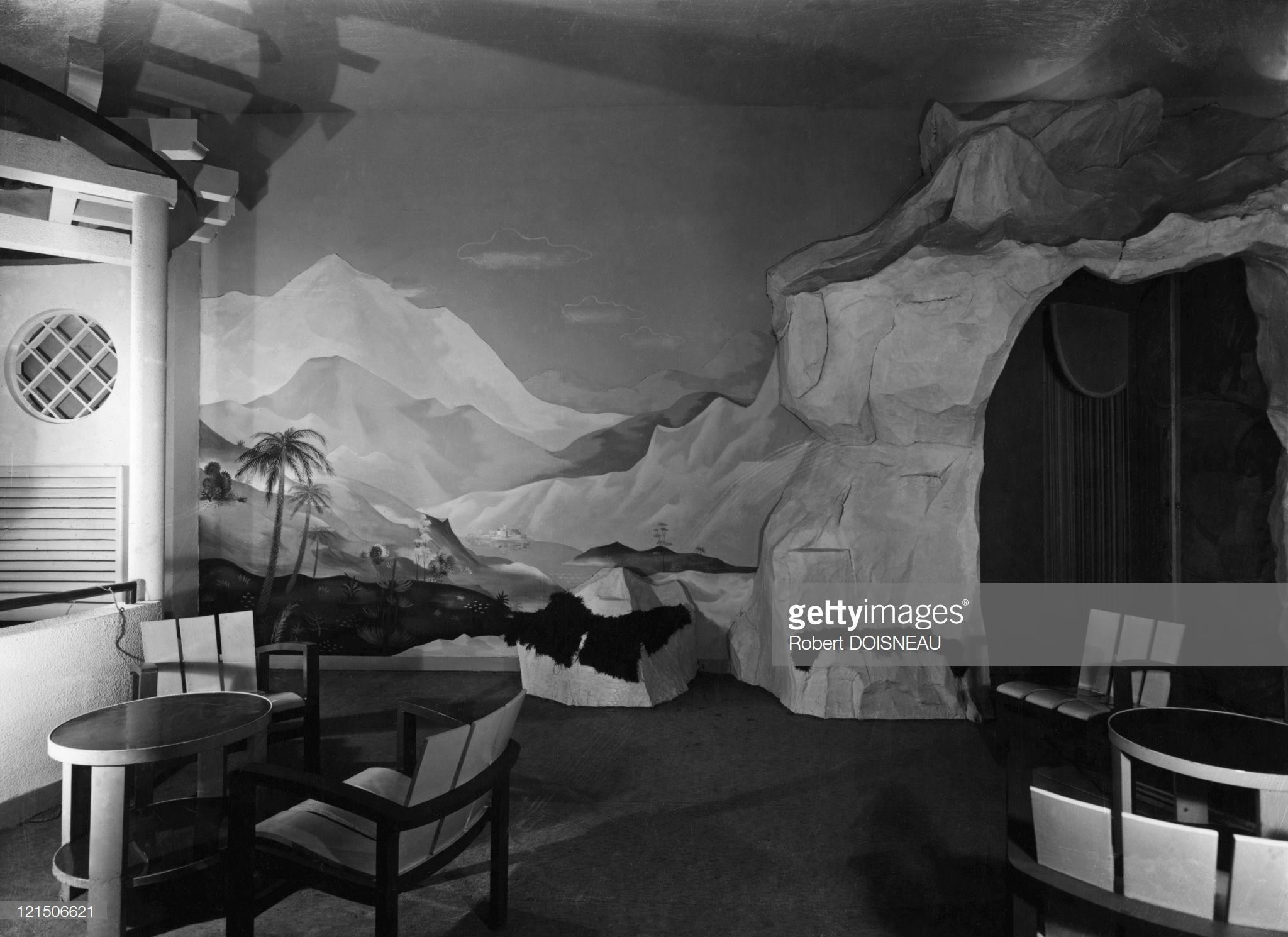1940. Парижский бордель, расположенный на улице Шабане за Национальной библиотекой
