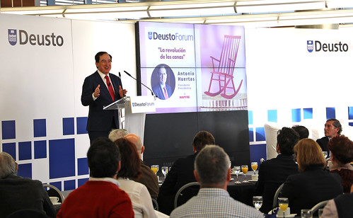 """El Presidente de Mapfre Antonio Huertas interviene en DeustoForum con la charla: """"La revolución de las canas"""""""