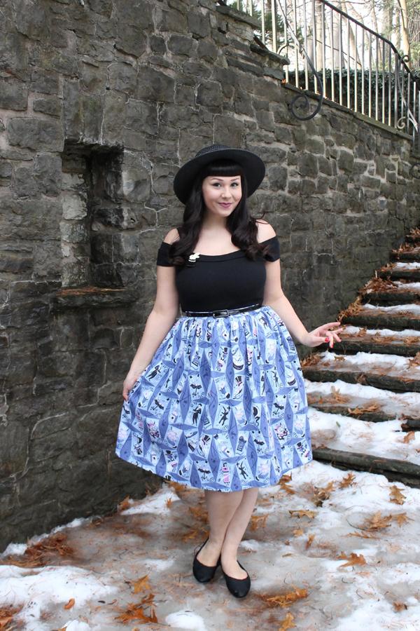 novelty print skirt
