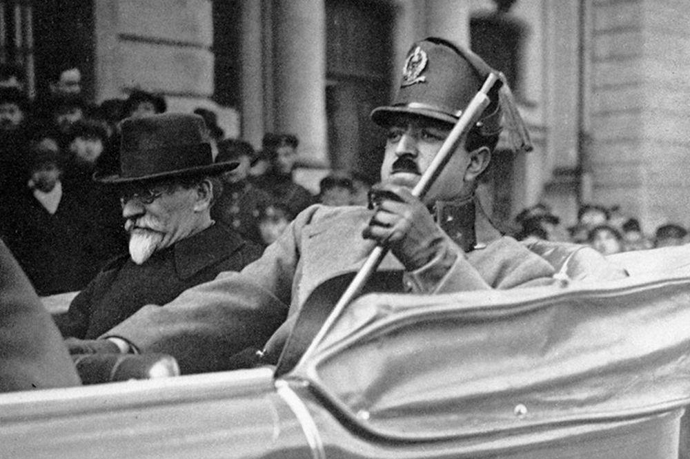 Король Афганистана Амманула-хан во время государственного визита в СССР