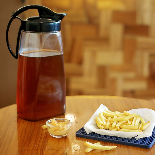 QuickPour Airtight Pitcher