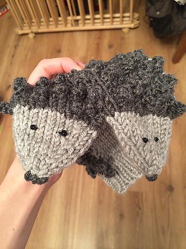Hedgehog Mittens by Ekaterina Sokolova