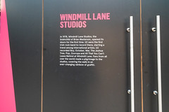 TEAR DOWN THE WALLS [THE STORY OF U2 AND WINDMILL LANE]-149767