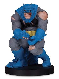 經典漫畫封面立體化!! DC Collectibles DC 設計師系列【蝙蝠俠 by 法蘭克·米勒】Batman by Frank Miller 全身雕像作品