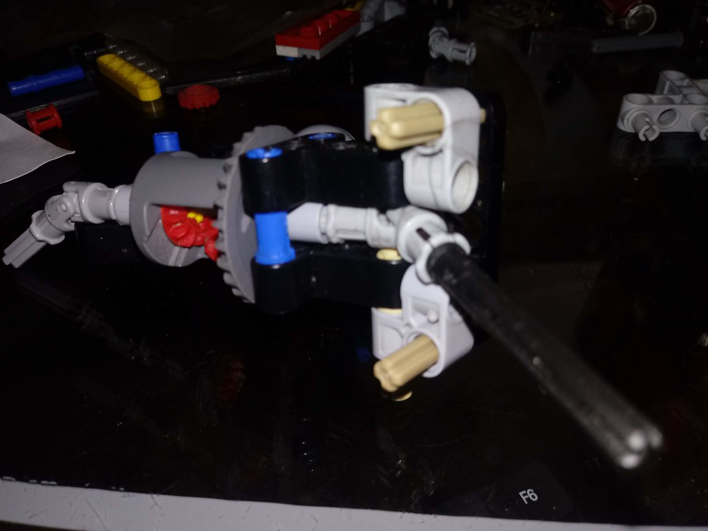 Lego Technic Sirslayer Better then the CV joint!!