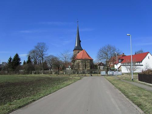 20110320 0207 117 Jakobus Weg Kirche Turm Häuser