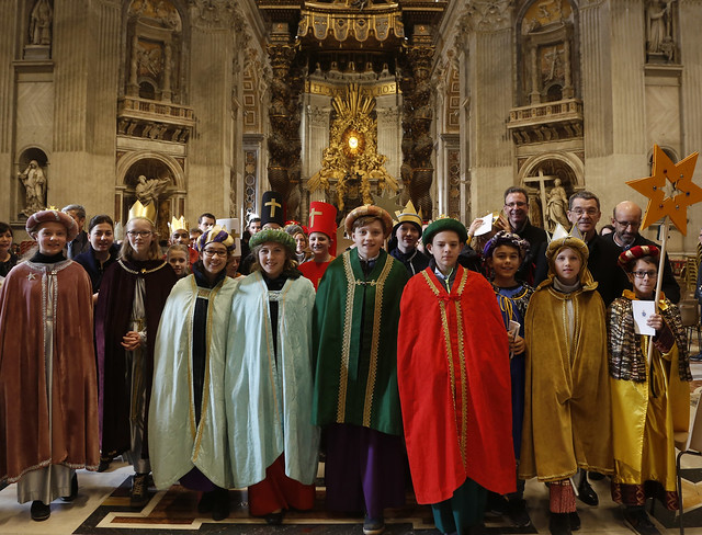 Sternsinger/innen bei Papst Franziskus