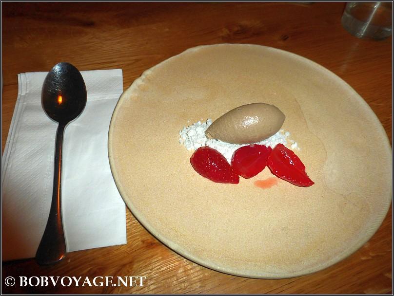 קינוח תותים ב- אופא (opa)