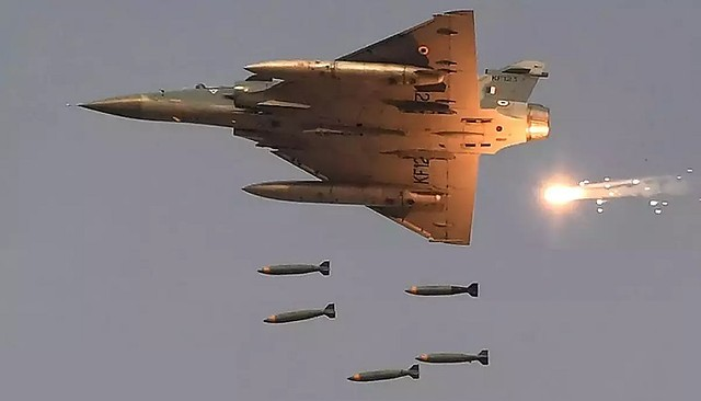 5003 Which one is better Indian Mirage 2000 vs Pakistani F16 Falcon 01