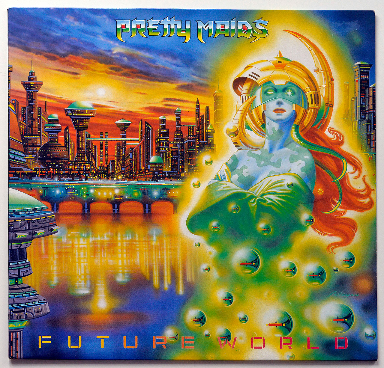 A0725 PRETTY MAIDS Future World