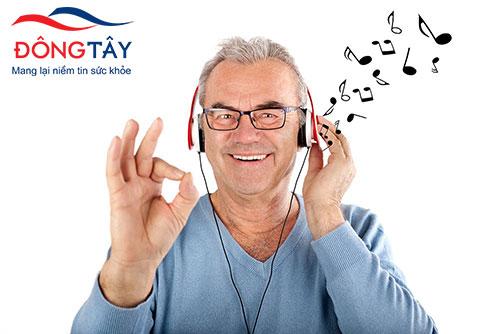Ca hát cải thiện tinh thần và chức năng vận động ở người parkinson