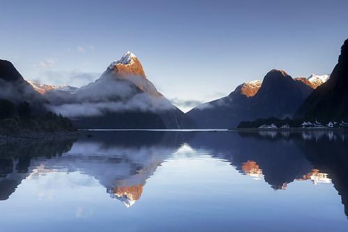 Sunrise, Mitre Peak, Milford Sound Fiordland National Park, New Zealand