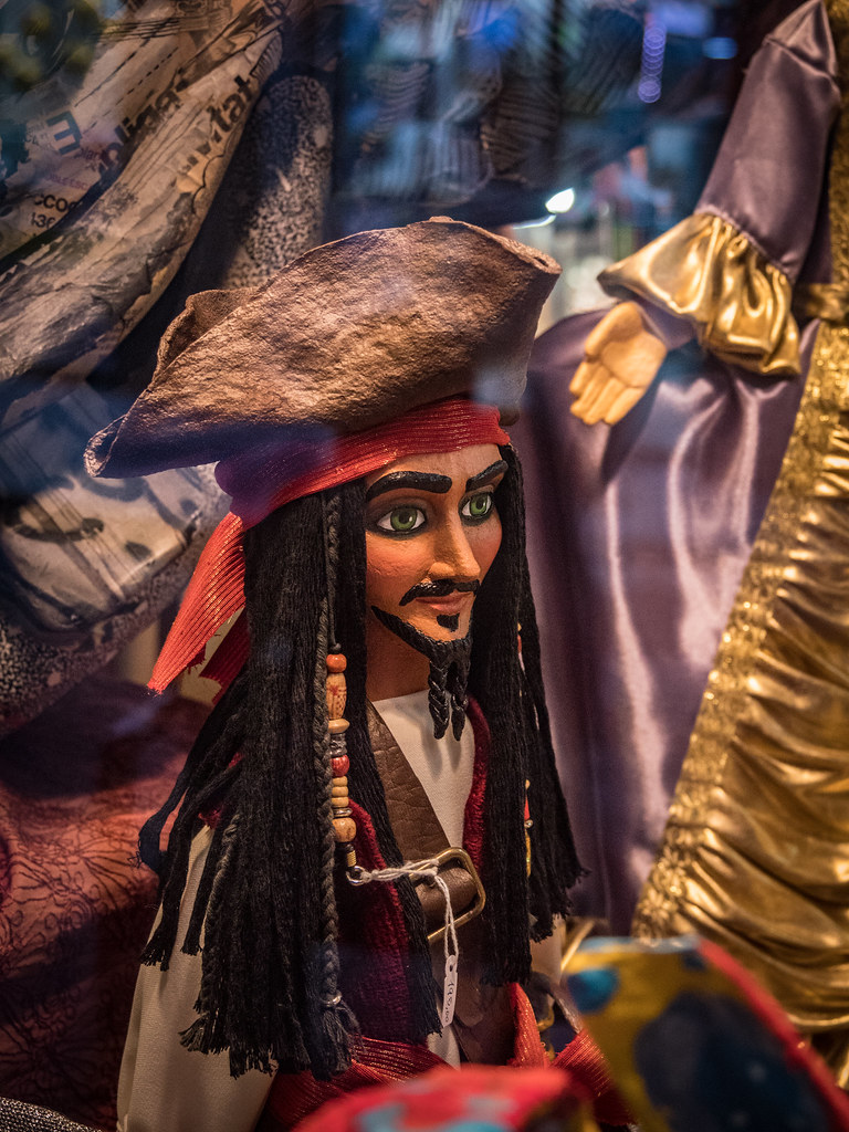 Puppet Jack Sparrow... 44658089290_60a8975164_b