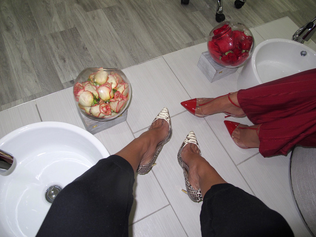 tha champagne boutique 2