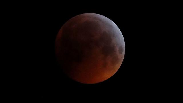 britain-lunar-eclipse