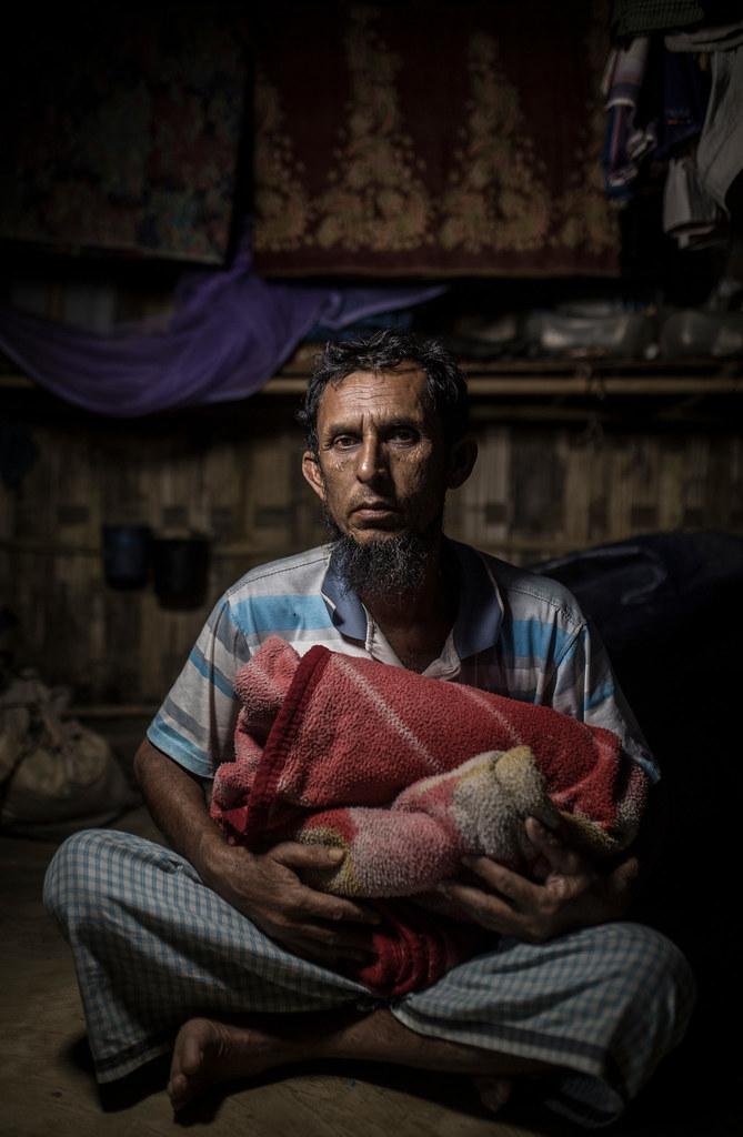 Rohingyas sauvés des flammes (part1)