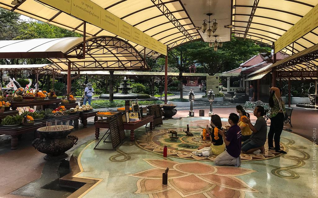 Erawan-Museum-Bangkok-iphone-9641