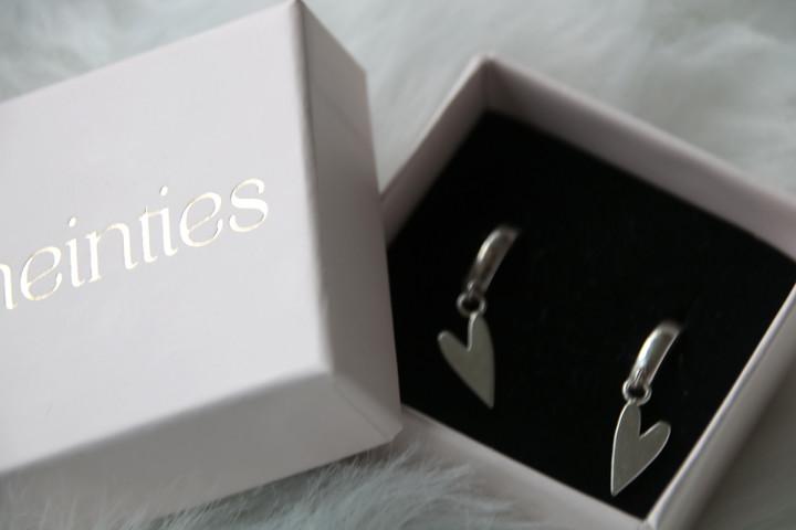 Neinties: zilveren oorbellen die comfortabel zitten