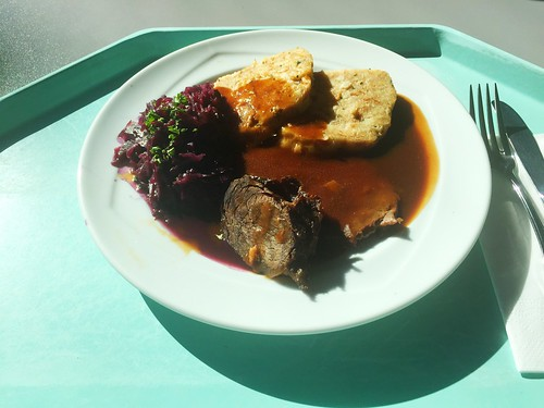 Marinated pot roast with red cabbage & bread dumpling / Sauerbraten mit Blaukraut & Serviettenknödel