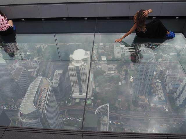 P1030889 マハナコン スカイウォーク(Mahanakhon Skywalk) 超高層展望台 Bangkok バンコク ひめごと