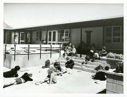 "<p>Wellington Primary School (Berhampore): A class enjoying a lesson in the sunshine<br /> <br /> Photographer: T. Hann<br /> <br /> Archives New Zealand Reference: AAQT 6539 W3537 Box 179 /B13699<br /> <a href=""https://www.archway.archives.govt.nz/ViewFullItem.do?code=24816047"" rel=""noreferrer nofollow"">www.archway.archives.govt.nz/ViewFullItem.do?code=24816047</a><br /> <br /> Archives New Zealand - Communicate New Zealand Collection<br /> <br /> Material from Archives New Zealand Te Rua Mahara o te Kāwanatanga</p>"